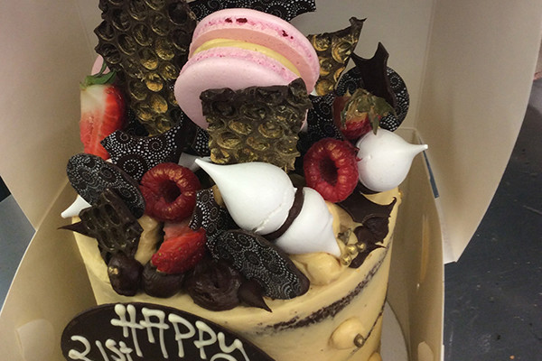 Stunning 21st Birthday Cake